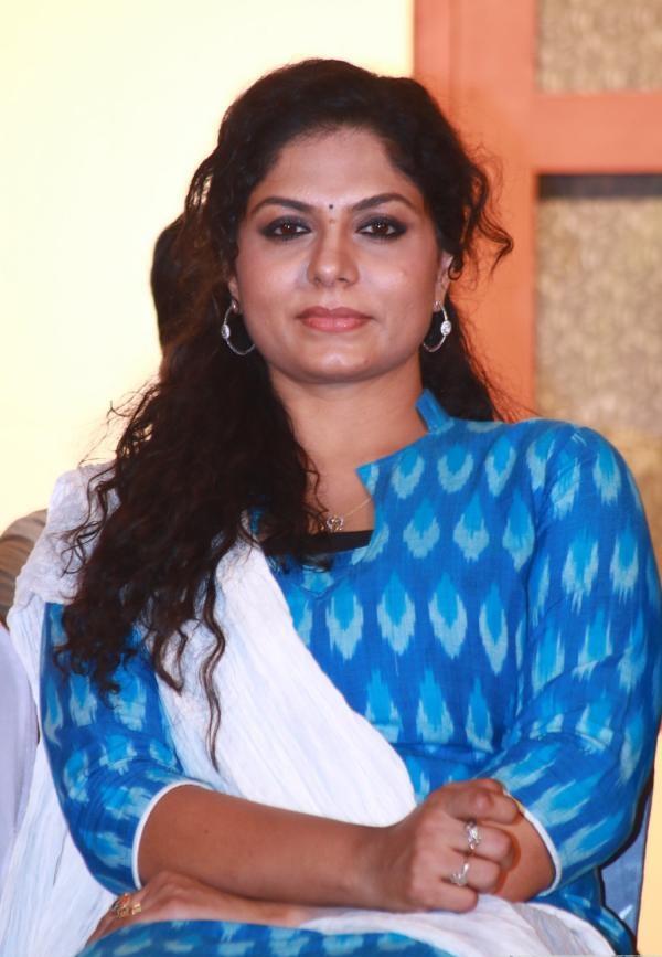 Asha Sarath New Bold Images Download
