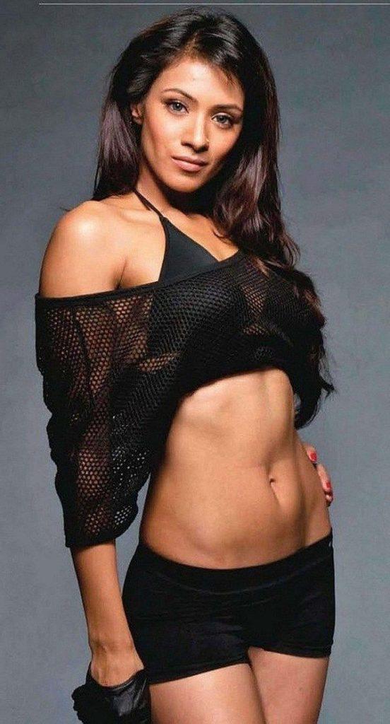 Barkha Bisht Hot & Sexy Pics In Bra Panty