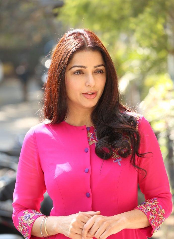 Bhumika Chawla Cute Pics