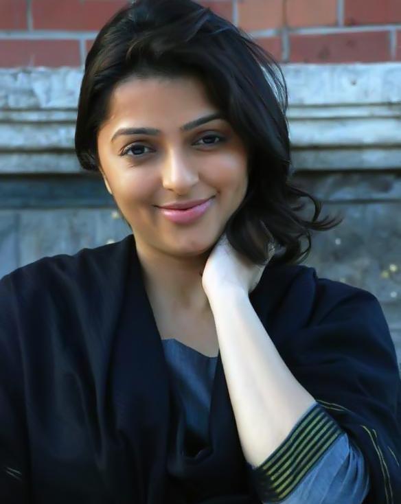 Bhumika Chawla New Look Pics