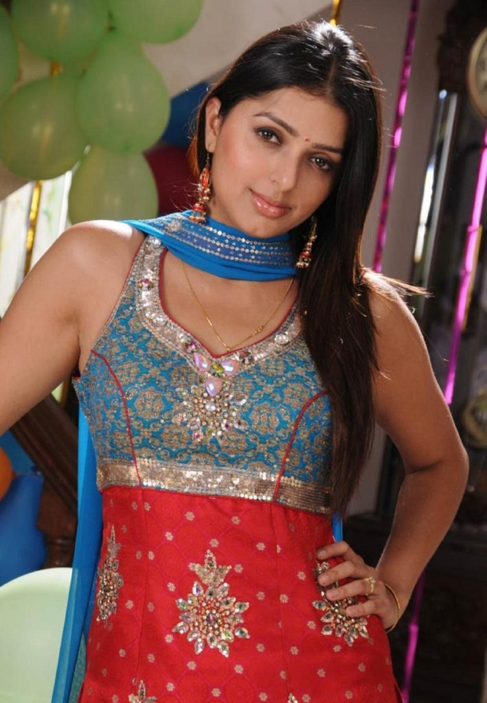Bhumika Chawla Photos For Profile Pics