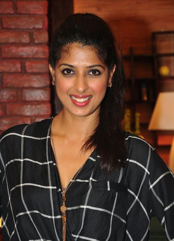 Bollywood Actress Aishwarya Sakhuja Photos