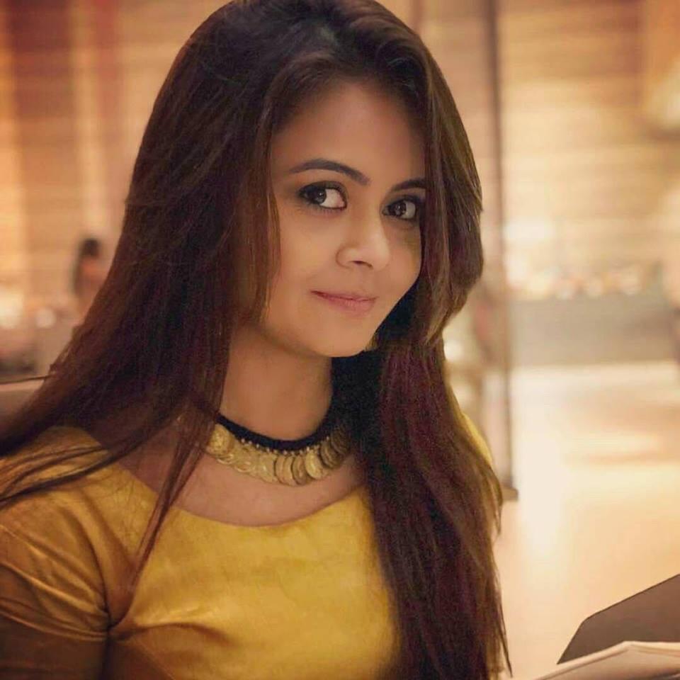 Devoleena Bhattacharjee HD Selfie Pics