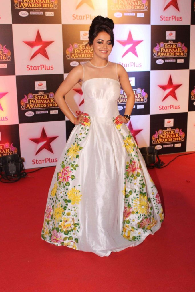 Devoleena Bhattacharjee Hot HD Pics At Award Show In Gown