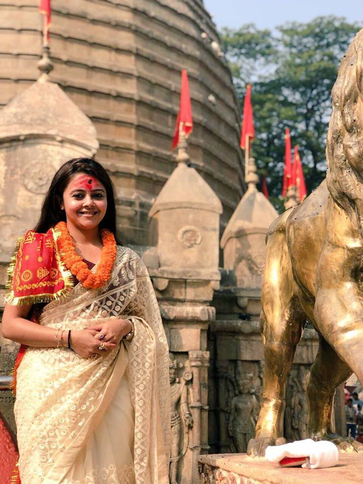 Devoleena Bhattacharjee Hot Images In Tample