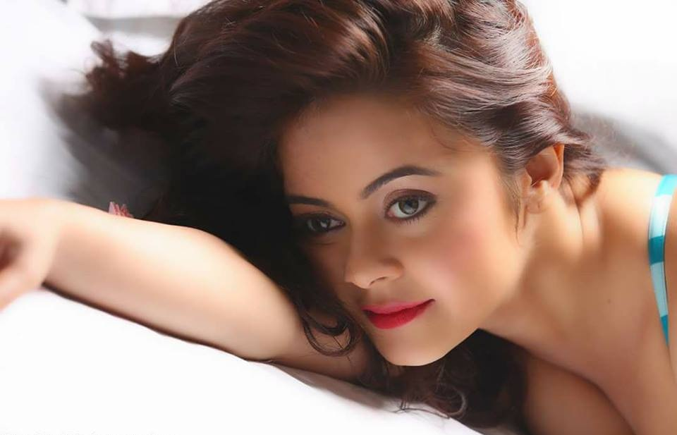 Devoleena Bhattacharjee Sexy Wallpapers