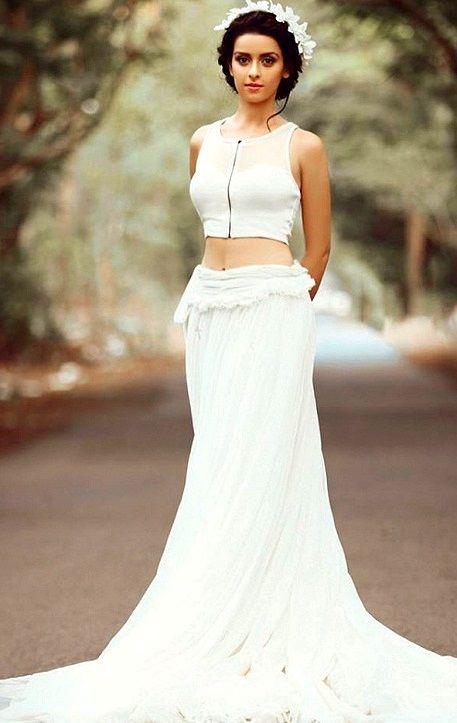 Ekta Kaul Spicy Navel Pics In Gown