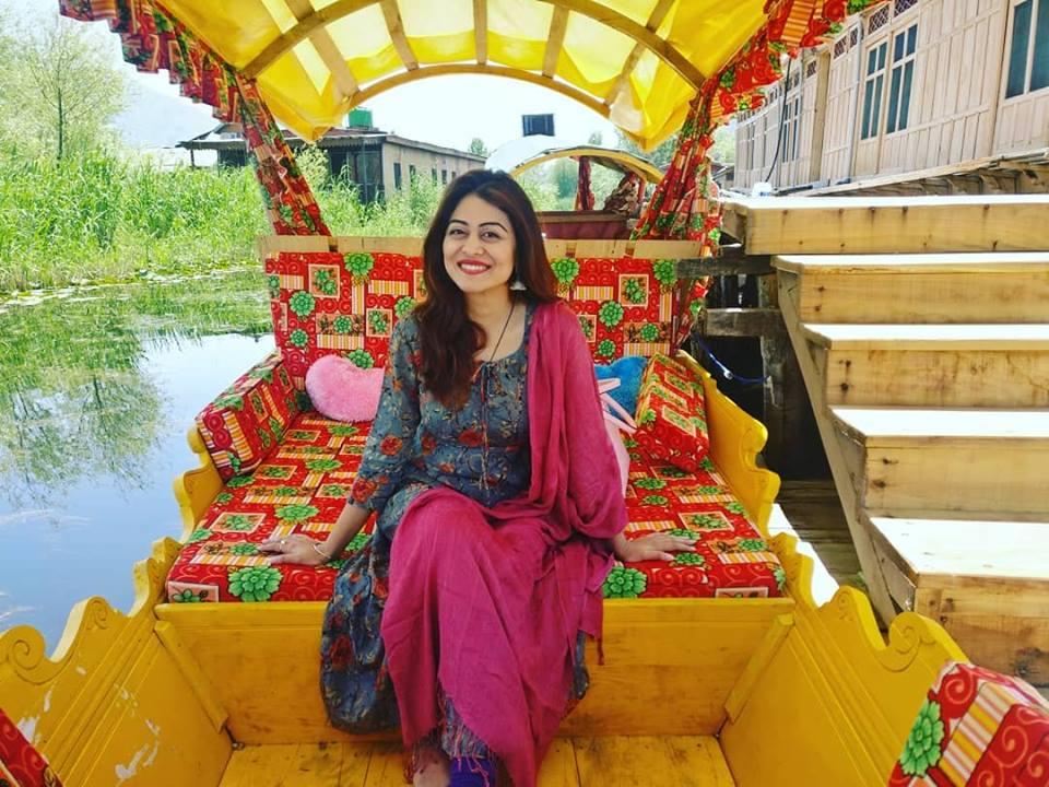 Falaq Naaz Images
