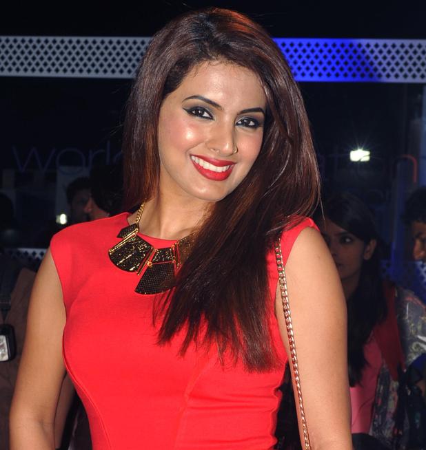 Geeta Basra HD Sexy Wallpapers