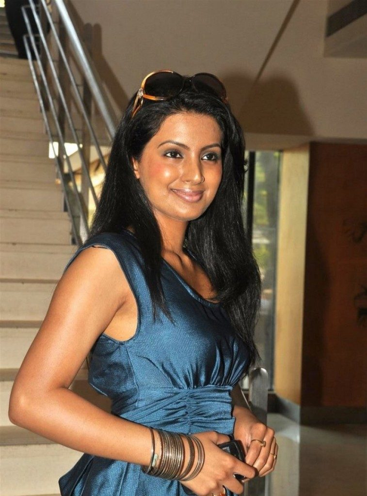 Geeta Basra Hot