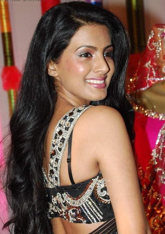 Geeta Basra Hot HD Photoshoot Gallery