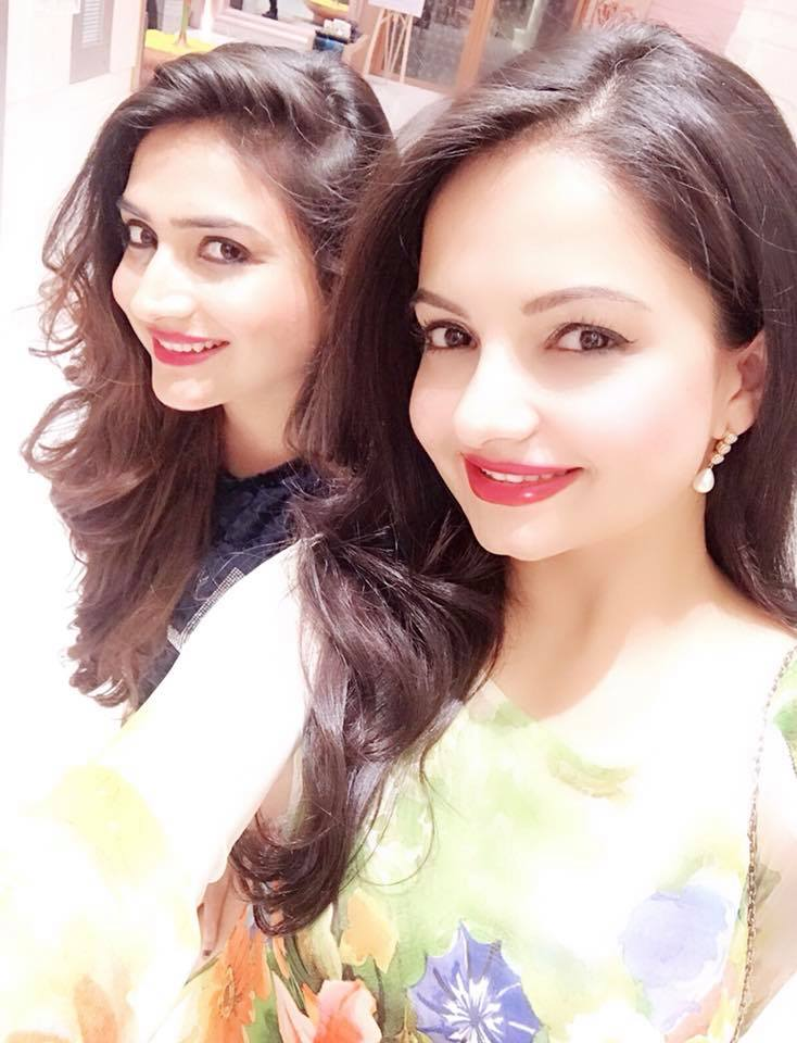Giaa Manek HD Pictures With Co-Star