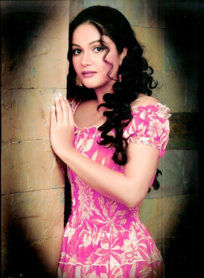 Gracy Singh HD Pics