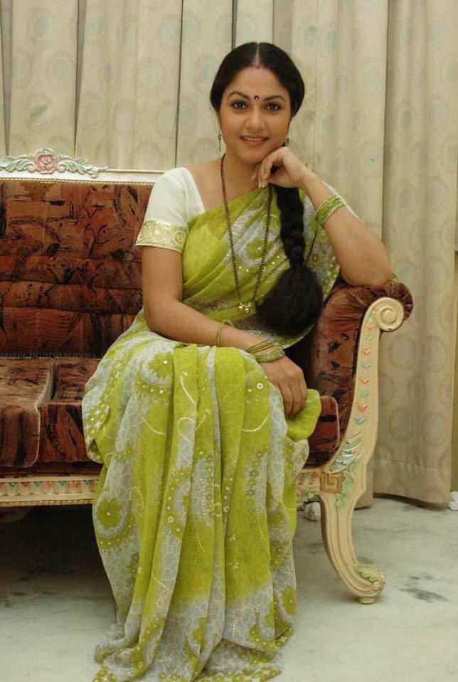 Gracy Singh HD Sexy Wallpapers