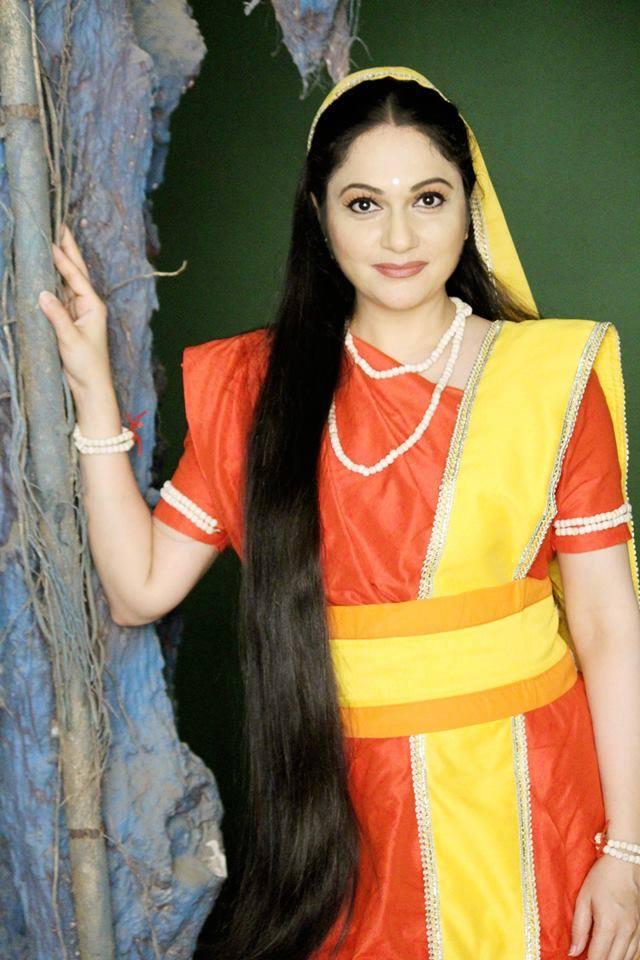 Gracy Singh Hot HD Wallpapers