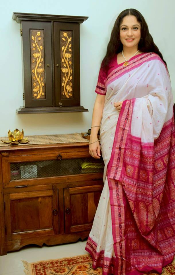 Gracy Singh Hot In Saree Wallpapers