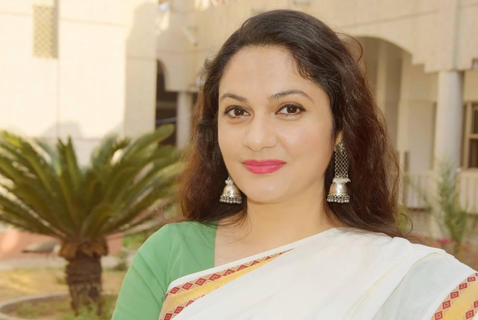 Gracy Singh Images Free Download