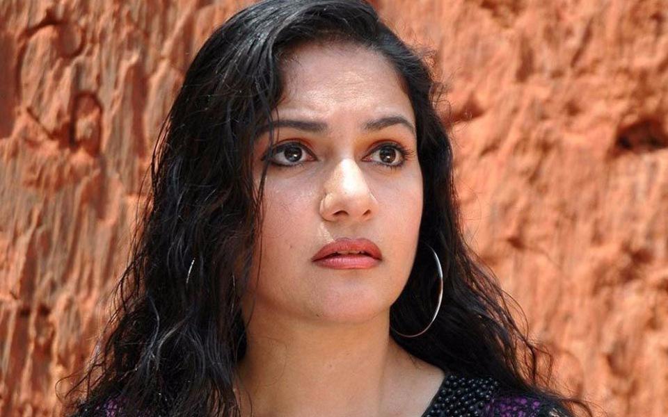 Gracy Singh New HD Photoshoot