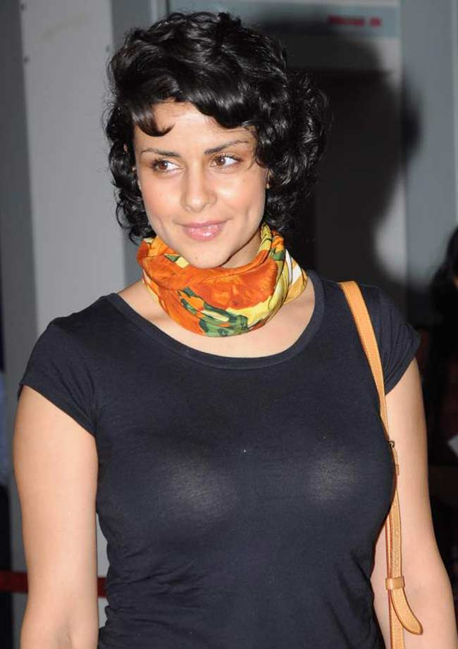 Gul Panag HD Sexy Pics Photoshoot Gallery
