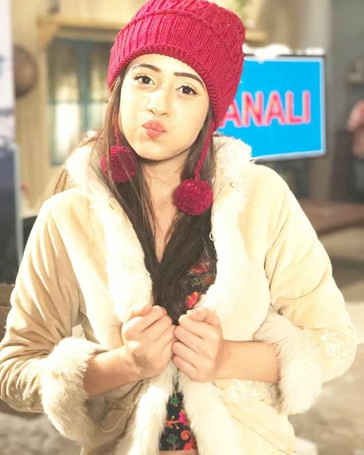 Hiba Nawab Cute Pictures Photoshoot