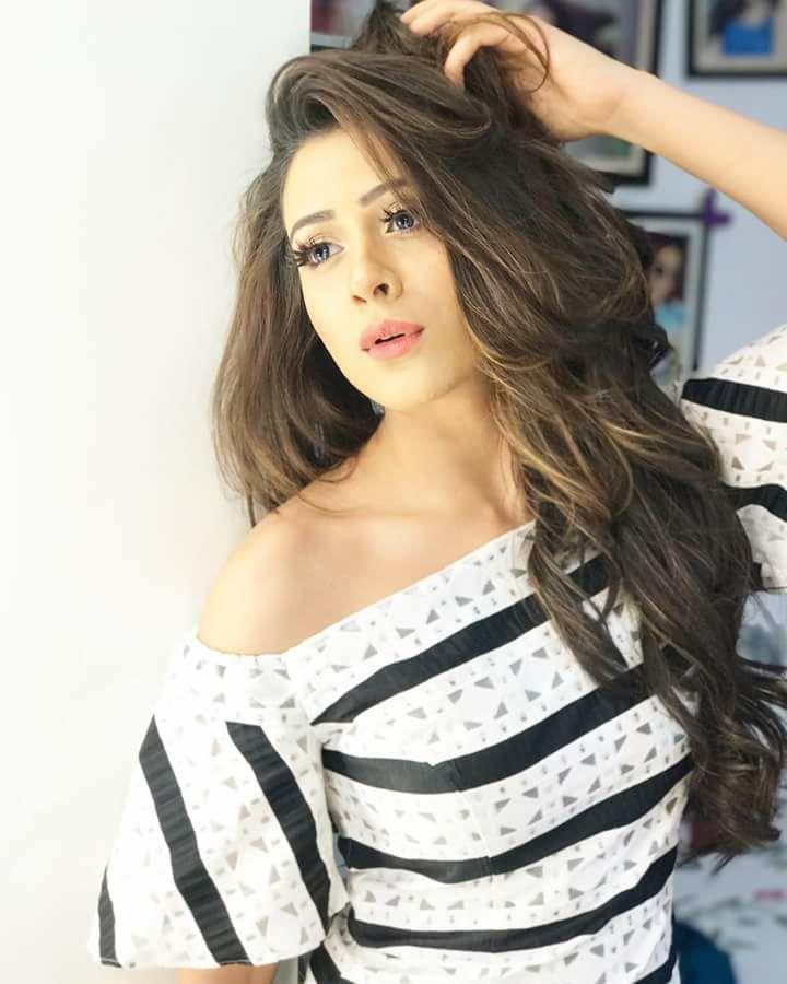 Hiba Nawab Sexy Wallpapers