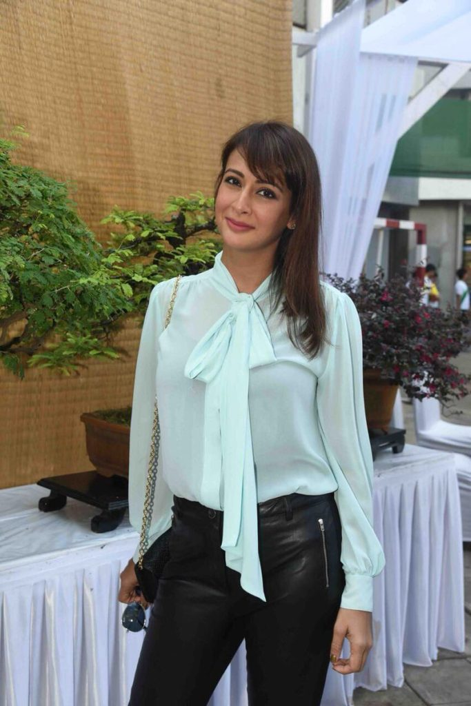 Indian Actress Preeti Jhangiani HD Sexy Wallpapers