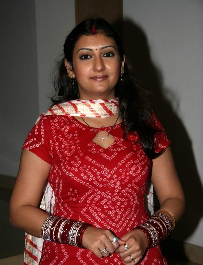 Juhi Parmar Sexy Picture In Salwaar Kameez