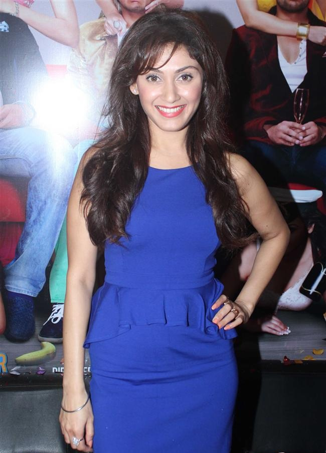 Manjari Phadnis Sexy Pics In Blue Dress