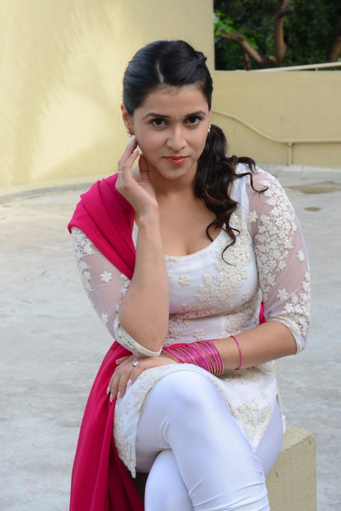 Mannara Chopra Hot Images In Salwaar Kameez