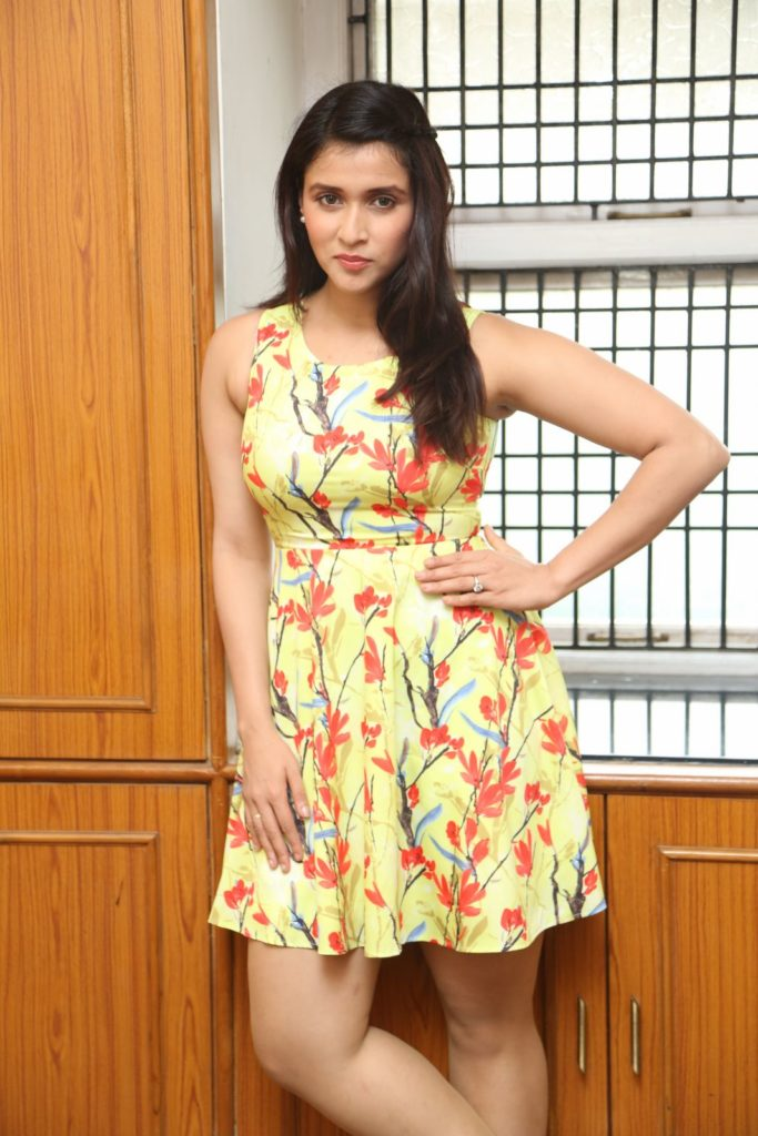 Mannara Chopra Sexy Bold Unseen Wallpapers
