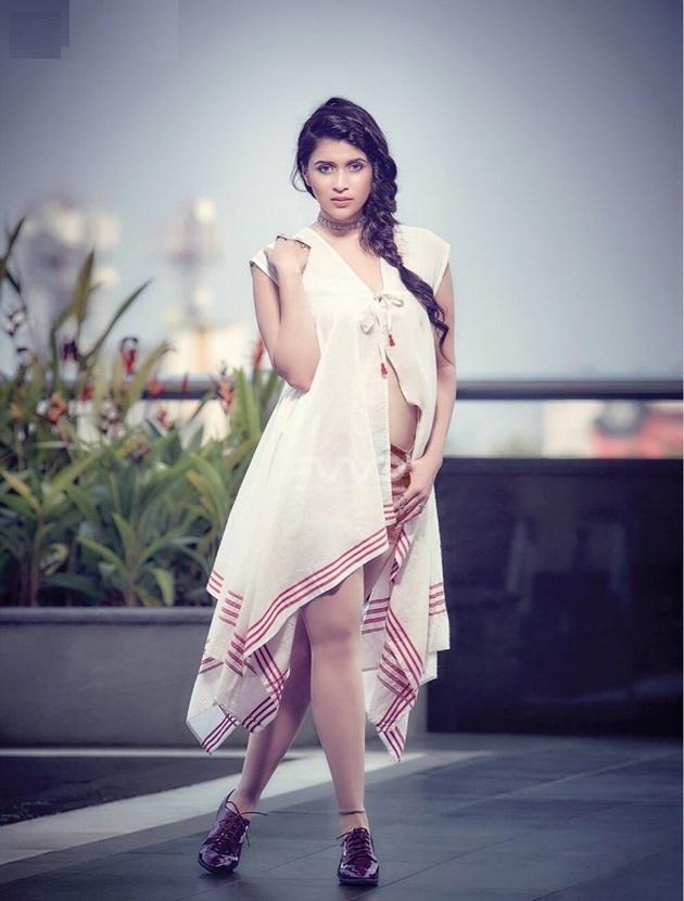 Mannara Chopra Sexy Pictures Photoshoot