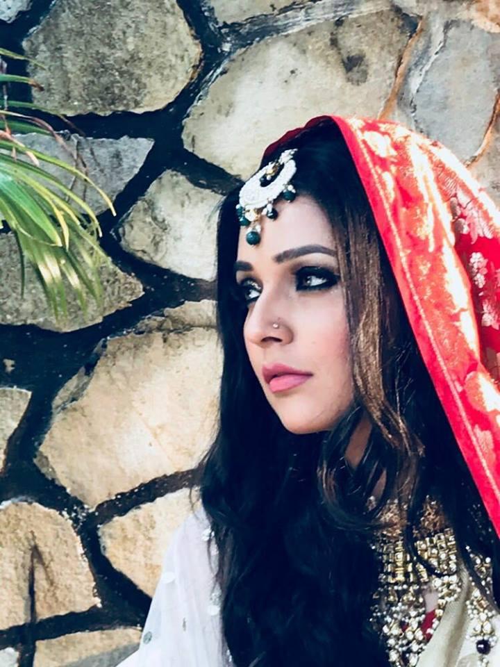 Mansi Srivastava New Pics In Royal Look
