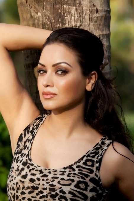 Maryam Zakaria Bold Pics