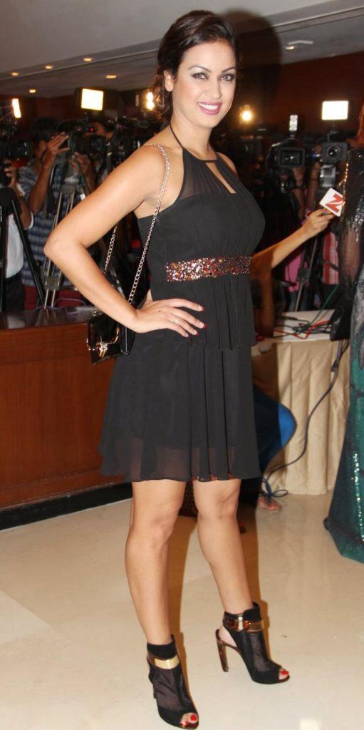 Maryam Zakaria Sexy Pics At Award Show