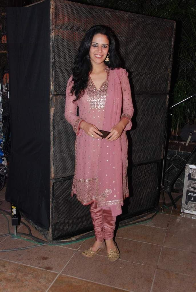 Mona Singh HD Pictures