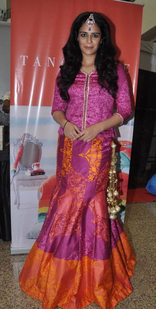 Mona Singh Hot
