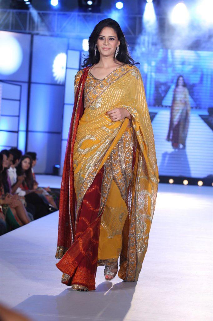 Mona Singh Hot Images At Rampwalk