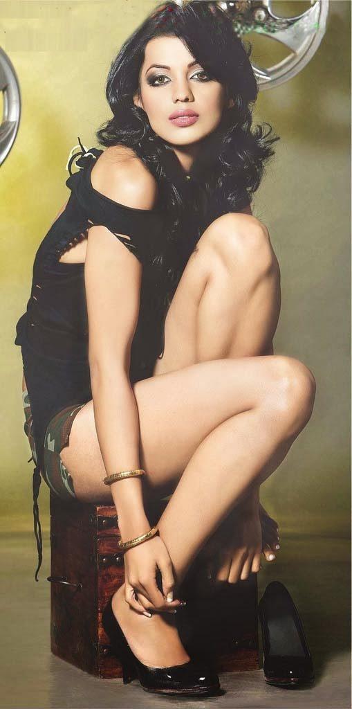 Mugdha Godse Sexy Legs Photos