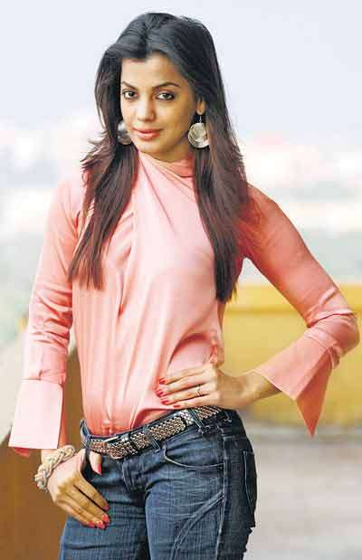 Mugdha Godse Unseen Photoshoots In Jeans Top