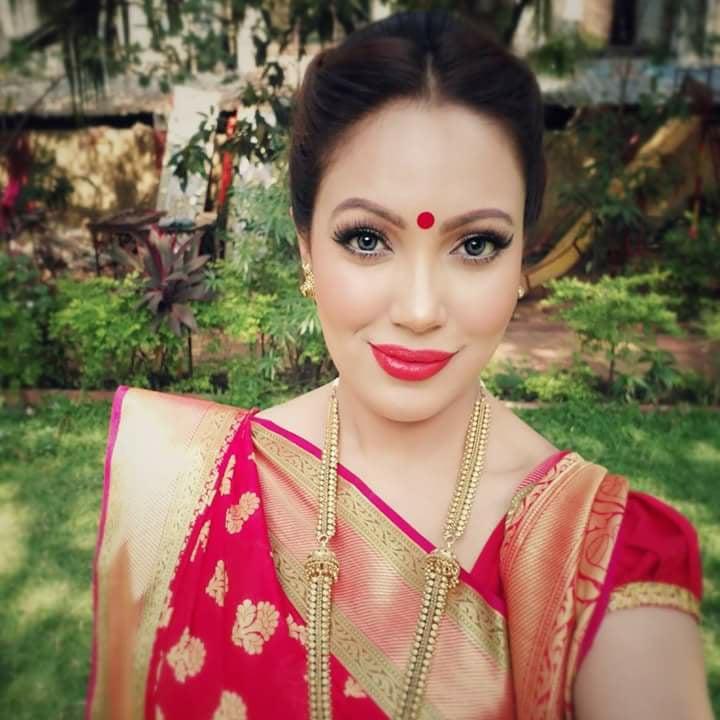 Munmun Dutta Hot Photos Gallery In Saree