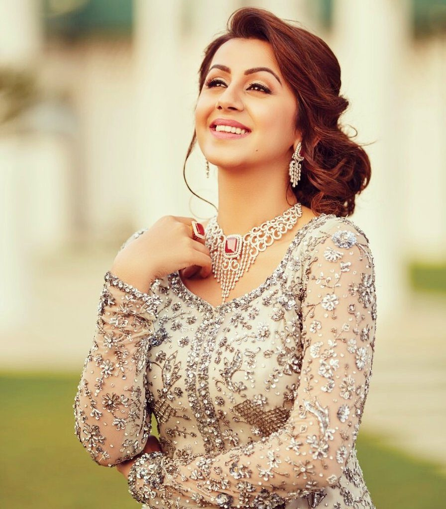Nikki Galrani Full HD Pics Photoshoot