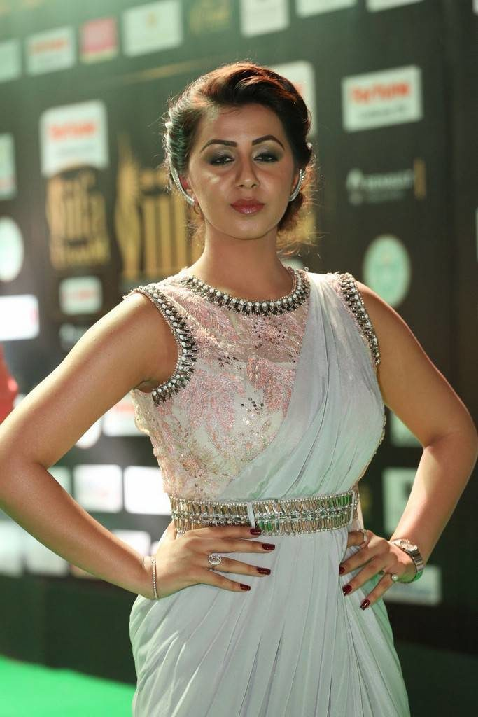 Nikki Galrani HD Sexy Photoshoot