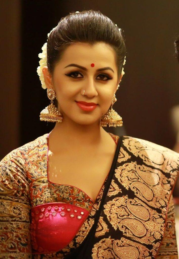 Nikki Galrani Sexy Bold Image In Saree