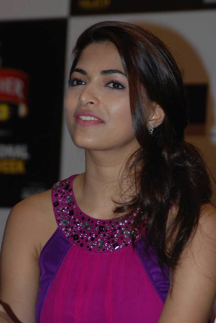 Parvathy Omanakuttan Hot Spicy Photos Full HD Pictures