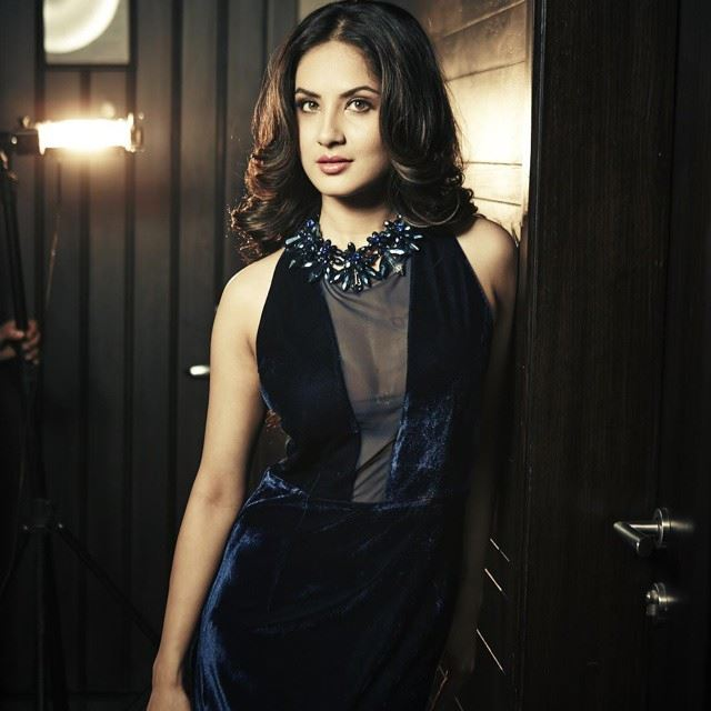 Pooja Bose Spicy Pictures Full HD