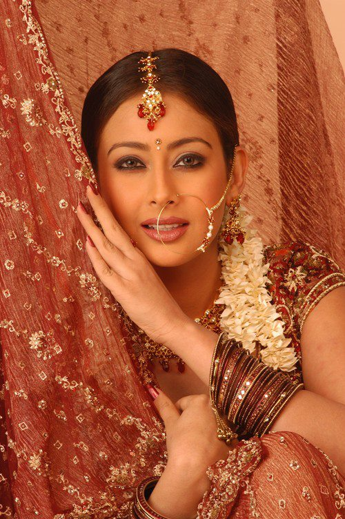 Preeti Jhangiani Cute Pics In Marriage Look For Movie Project