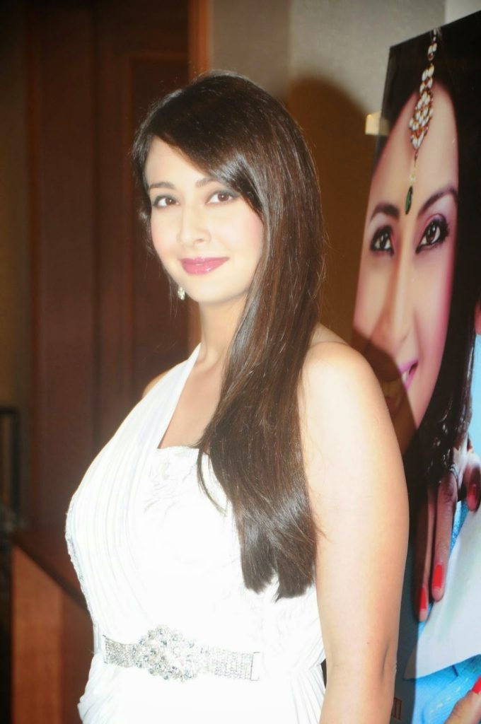 Preeti Jhangiani HD Images At Award Show