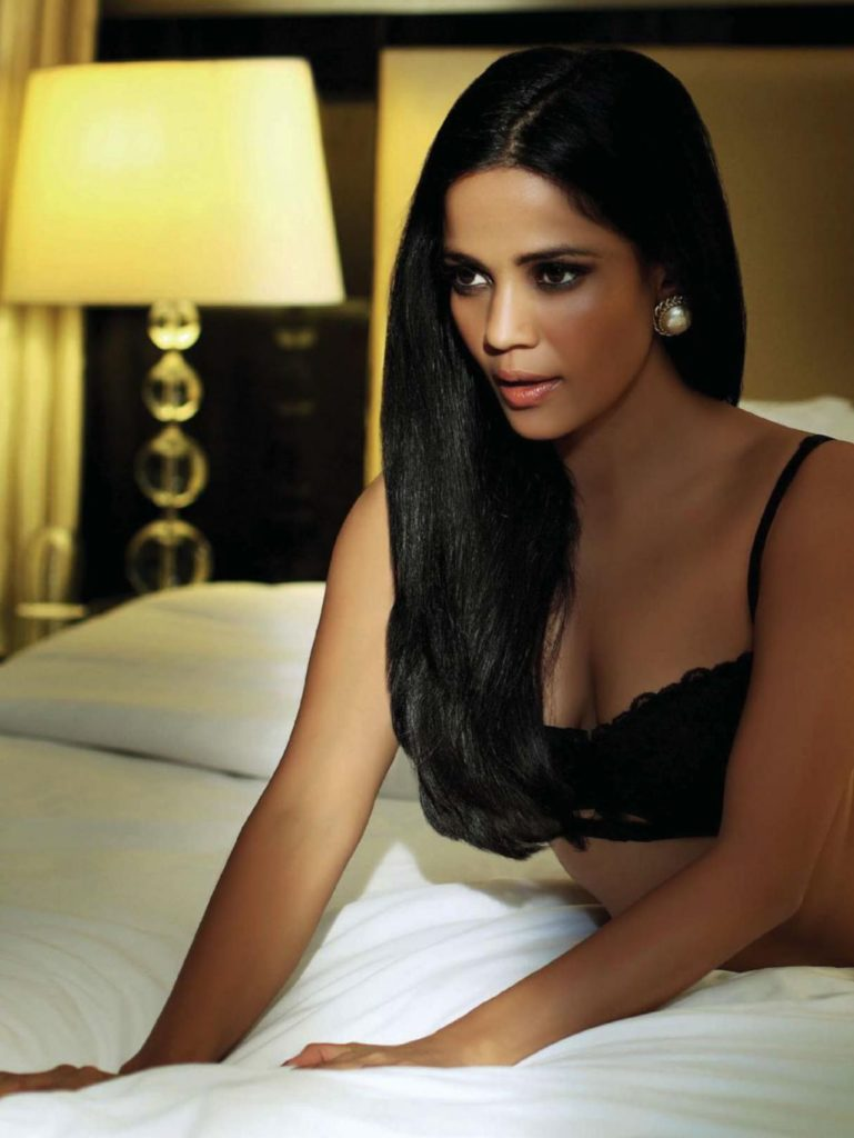Priyanka Bose Hot Images In Bra