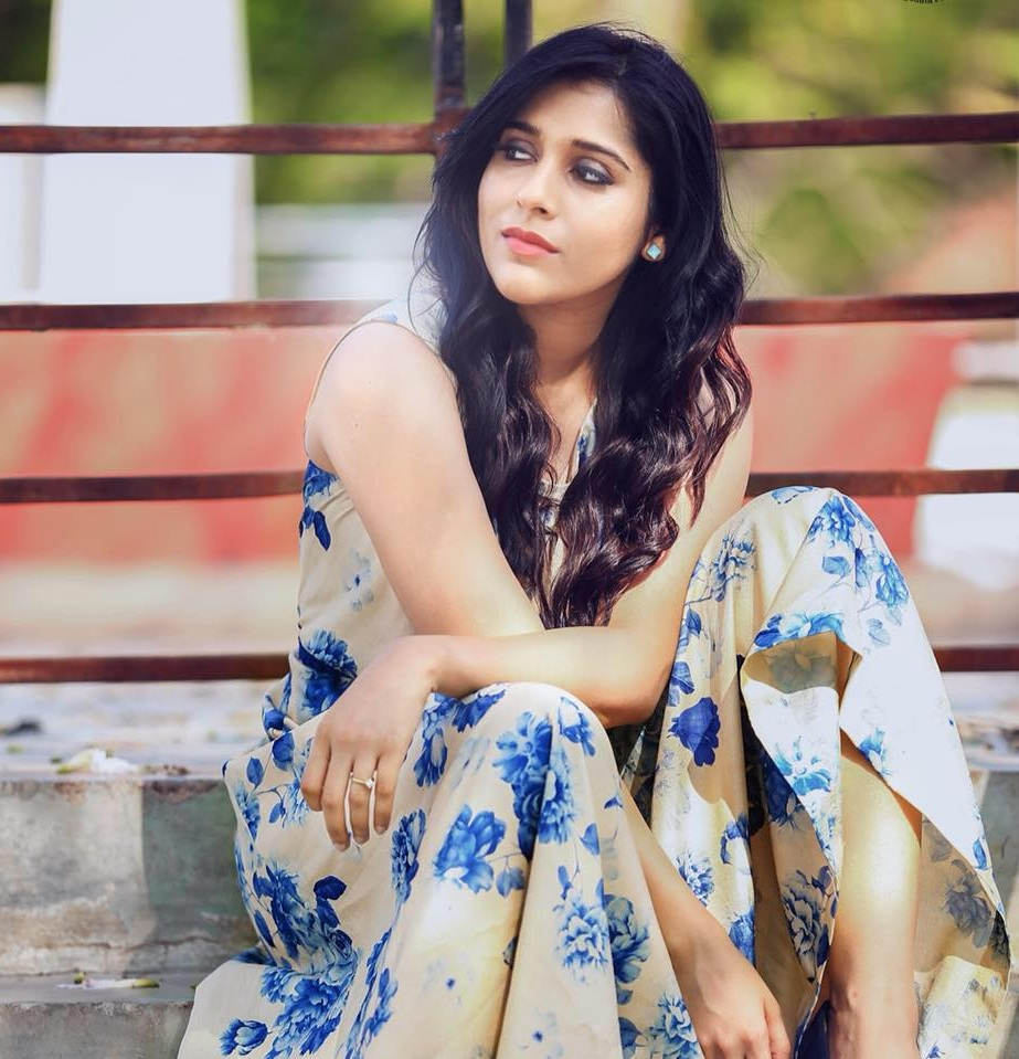 Rashmi Gautam Bold Pics Download