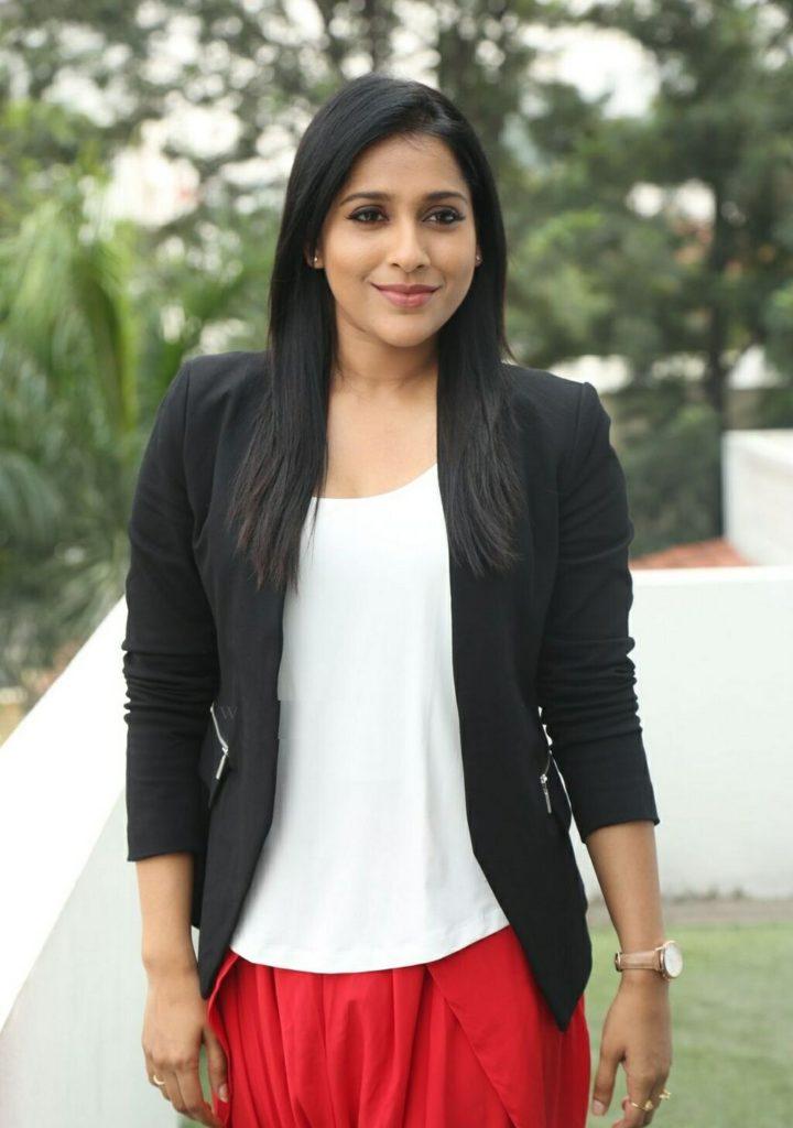 Rashmi Gautam HD Images In Beautiful Clothes